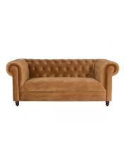 Sofa aksamitna w kolorze złotego brązu Chester Velvet 3200134 mebel wypoczynkowy do salonu Dutchbone
