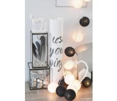 Kompozycja kolorowych kul LED Black&White Cotton Ball Lights