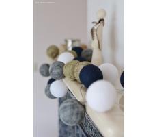 Kompozycja kolorowych kul Angels Lights by Scraperka Cotton Ball Lights
