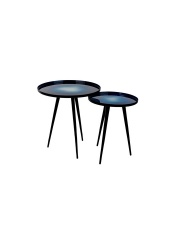 Zestaw stolików FLOW BLUE 2300090 Zuiver komplet dwóch aluminiowych stolików w niebieskim kolorze z emaliowanym blatem i żeliwnymi nogami